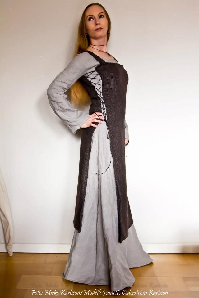 Viking Dress with lacing on the side - made by Jeanette Cederstrom Karlsson who lives in Sweden. Picture from facebook