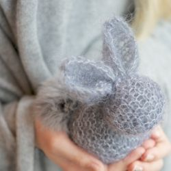 Turn a simple knitted square into a cute little bunny in just minutes. Perfect project for Easter week! Full tutorial.
