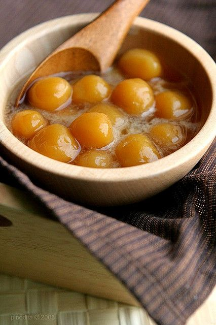 Biji Salak is sticky sweet potato balls in palm sugar syrup and coconut milk. #indonesianfood