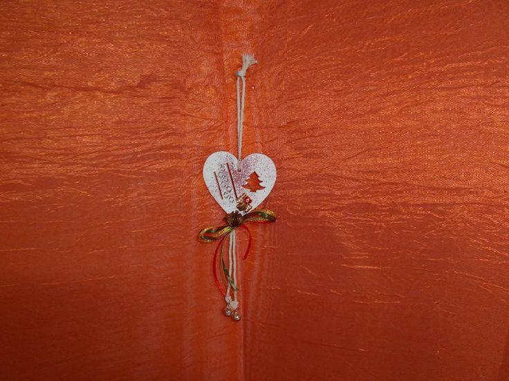 γουρι λευκη καρδια με τριφυλλι