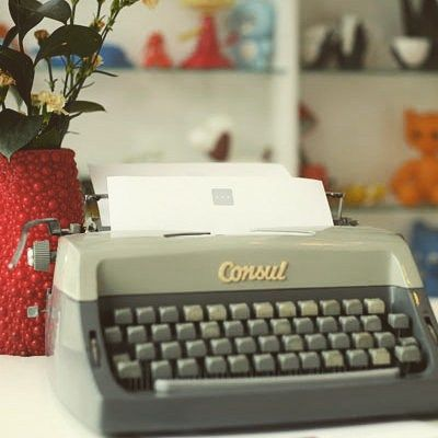 Have questions? Mail us on hotel@sax.cz - We respond to your messages within 24 hours!  #hotelsax #vintage #design #praguehotels #Prague #czechrepublic #summerinprague #holidayinprague #letter #mail #vintagefurniture #typewriter #retro #vase #flowers #toys
