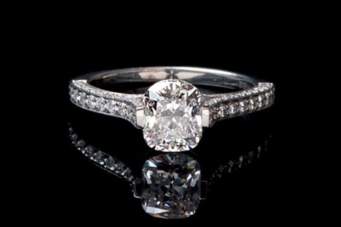 Best Three Ways To Clean Platinum Diamond Ring At Home