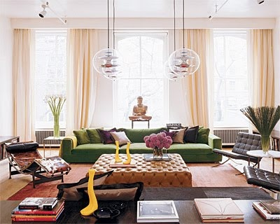 amazing room: Green Sofa, Naeem Khan, Interior Design, Green Couch, Living Rooms, Livingrooms, Color, Space, Ottoman