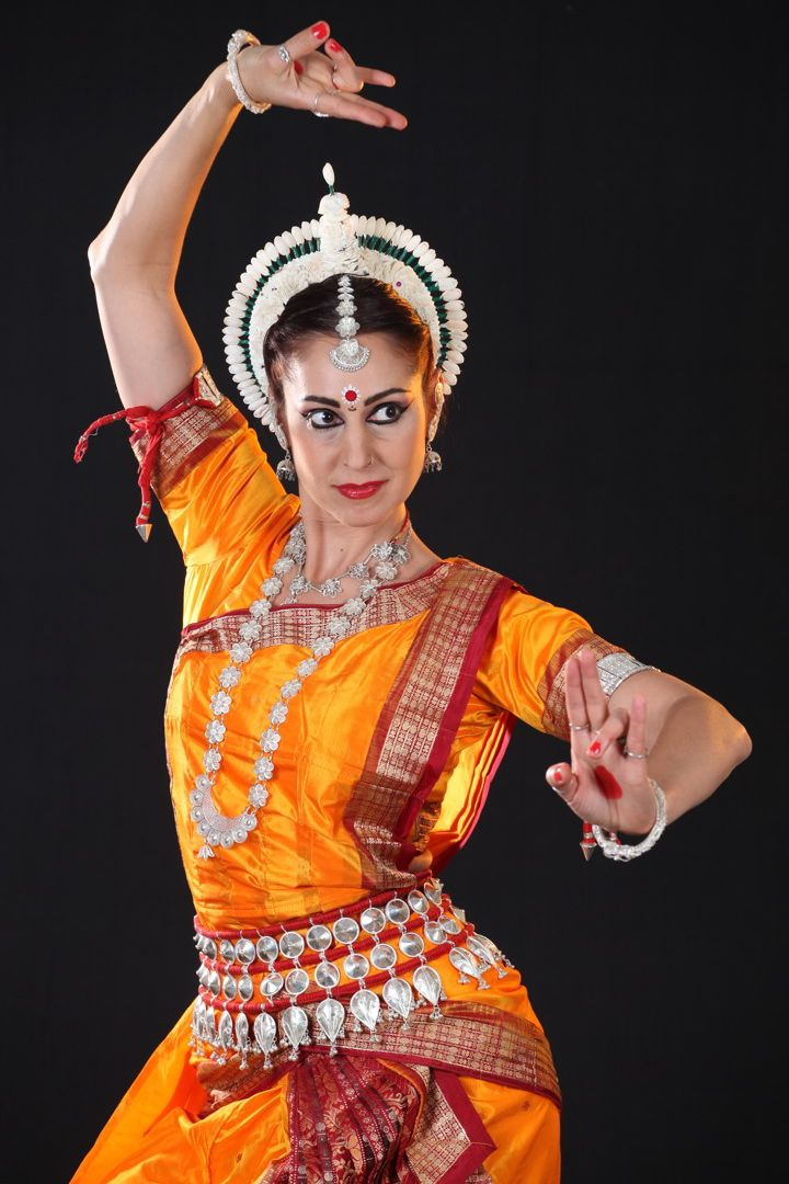 indian classical dance India has a very rich culture of dance and music, traditional, classical, folk and tribal dances style indian classical dance are manipuri, kathak and bharatnatyam.