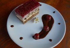 Prăjitură cu blat din nucă şi vişine | Click! Pofta Buna!