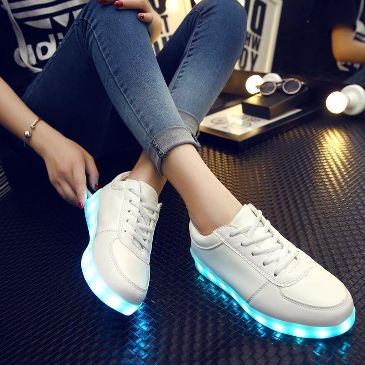 Une déco lumineuse et tendance Vous êtes fan de chaussures et de décoration  ? Alors voilà