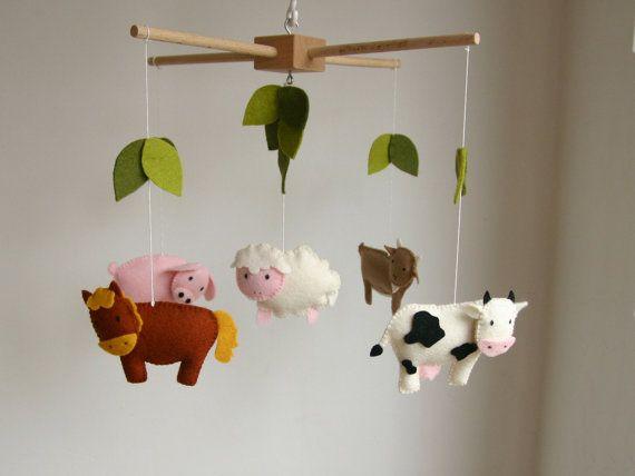 baby mobile patroon, diy kit baby mobile, diy dieren mobile, diy pakket, vilt geit, vilt paard, vilt schaap, varken, koe, patroon mobile