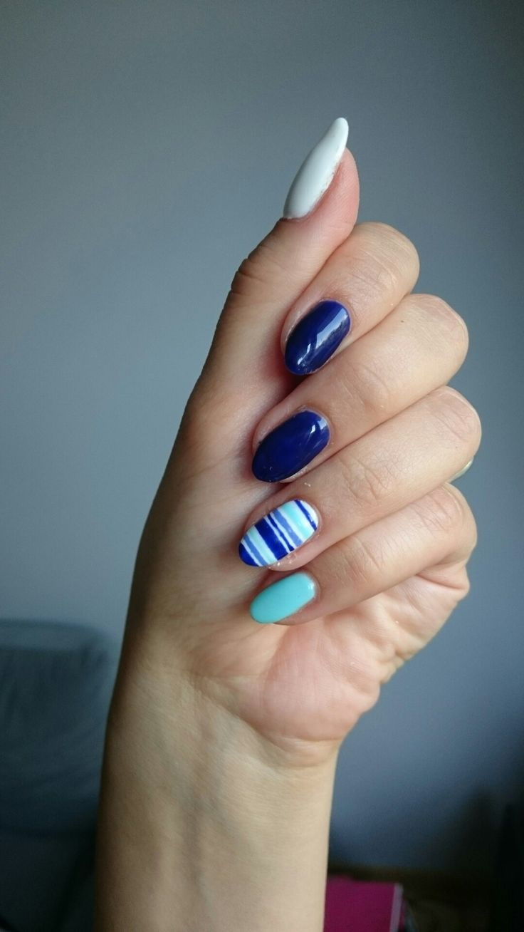 126 semilac Queen of the night, 073 semilac caribbean see and 001 semilac strong white, summer stripes nails