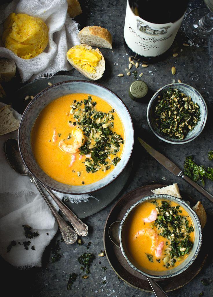 Har du bestämt förrätten till nyår? Jag har ett tips till dig som vill servera en god fyllig räksoppa till nyårsafton. Den här soppan gjorde jag förra veckan och tänkte att den passar...