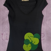 Camiseta decorada con fieltro