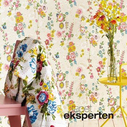 Ibiza 330200 - blomstret tapet. Flot blomstret tapet med masser af farver. Bunden er æggeskalsfarvet.