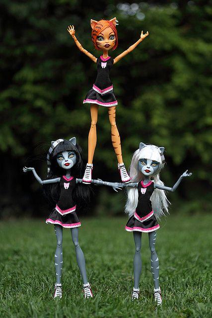 ¡Los fans de Monster High estáis de enhorabuena! Y es que el próximo fin de semana llega a Salera la Fiesta Monster High, un evento electrizante en el que podréis pasarlo de miedo con juegos, coreografías, maquillajes y actividades de todo tipo. www.ccsalera.com