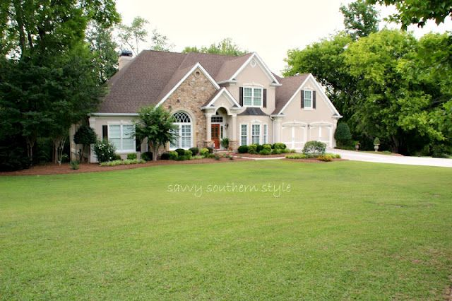 Savvy Southern style home tour..I want ALL of it!