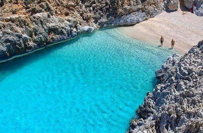 Η ωραιότερη «άγνωστη» παραλία της Ελλάδας που.. κοντράρει τον Παράδεισο!  #Ελλάδα