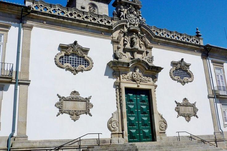A Igreja de Nossa Senhora da Caridade é uma das igrejas mais emblemáticas e ricas de Viana do Castelo.