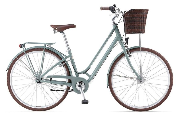 Heres one for all you ladies...  New giant town bike...cool!
