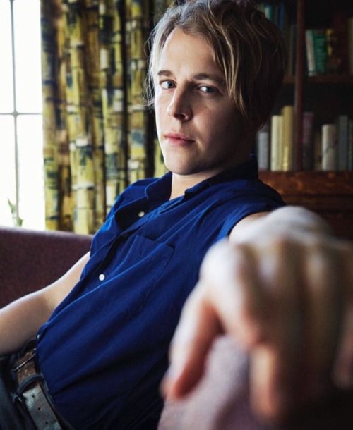 TOM ODELL                                                                                                                                                     Mais