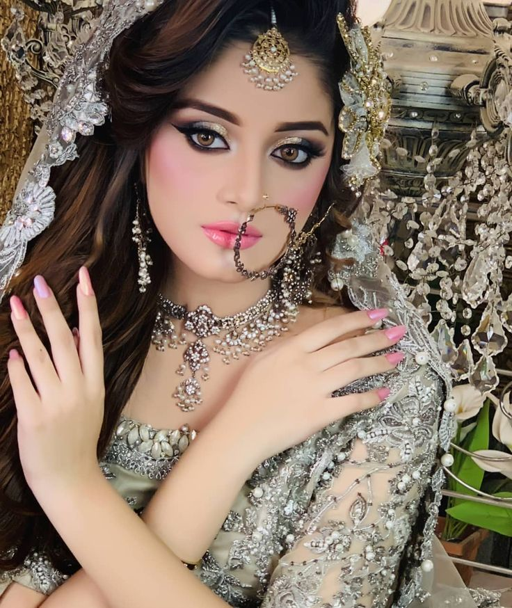 Awesome Bridal Photoshoot of Alizeh Shah for Kashees
