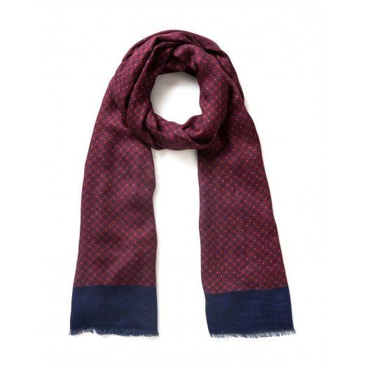 Sciarpa, in viscosa stampata, disegno cravatteria e bordi a piccole frange.