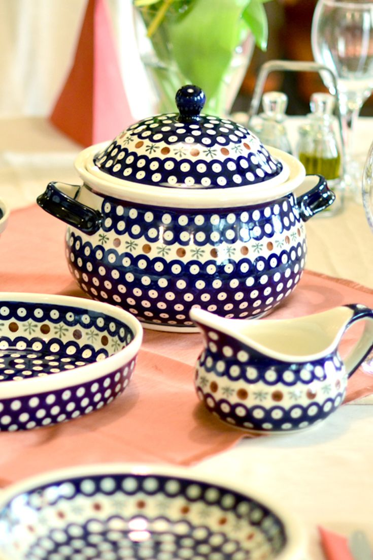 Soup tureen. Made of natural ceramic clays, hand formed and hand decorated by Bolesławiec artist.