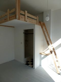 Videbed zwevende hoogslaper hoogslaper pinterest hoogslaper studentenkamer en slaapkamer - Tiener meisje mezzanine slaapkamer ...