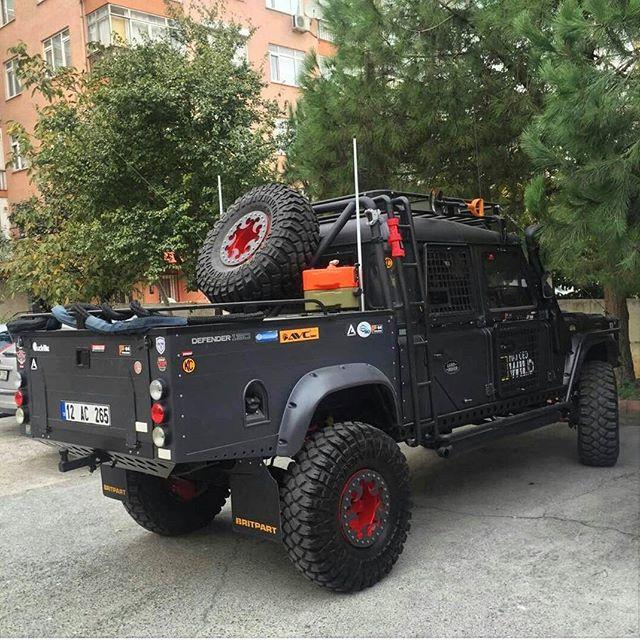 LandRover Defender 130 - https://www.pinterest.com/dapoirier/4x4-and-trucks/