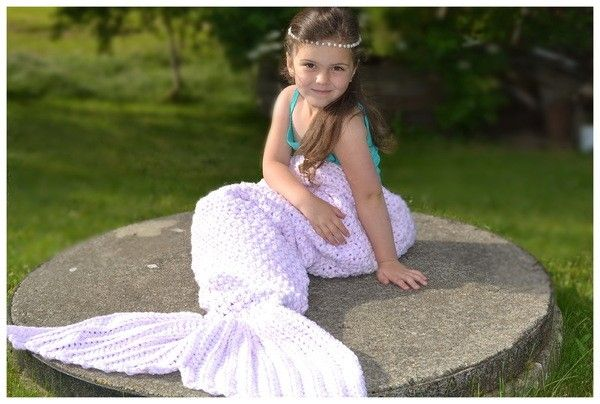 Häkle jetzt diese tolle Meerjungfrauen-Decke in allen Größen, von der Puppe bis hin zum Erwachsenen. Das ist ein tolles Highlight ++ wunderbar kuschelig.