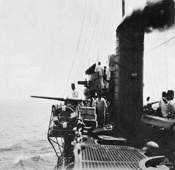 Çanakkale Boğazını savunan Osmanlı sahil güvenlik botları