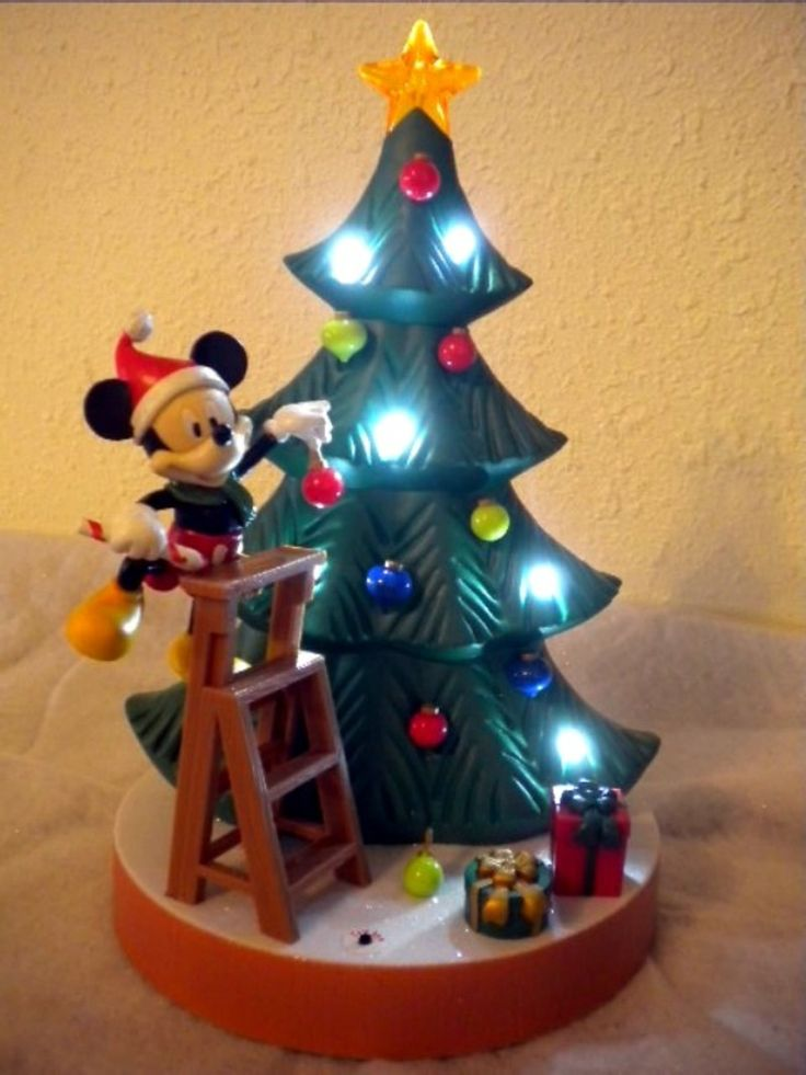 1000+ ideas about Mickey Mouse Christmas Tree on Pinterest ...