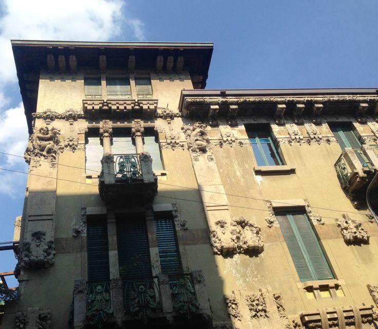 via livorno,milano from www.motobast.com