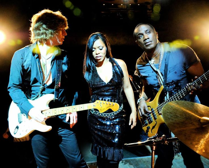 UK's own BRAND NEW HEAVIES are coming to funk up the Symphony Woods Stage at this year's Capital Jazz Fest! Tickets on sale Saturday, March 19 at 12 noon ET!   24th Annual Capital Jazz Fest  June 3-5, 2016 www.capitaljazz.com/fest