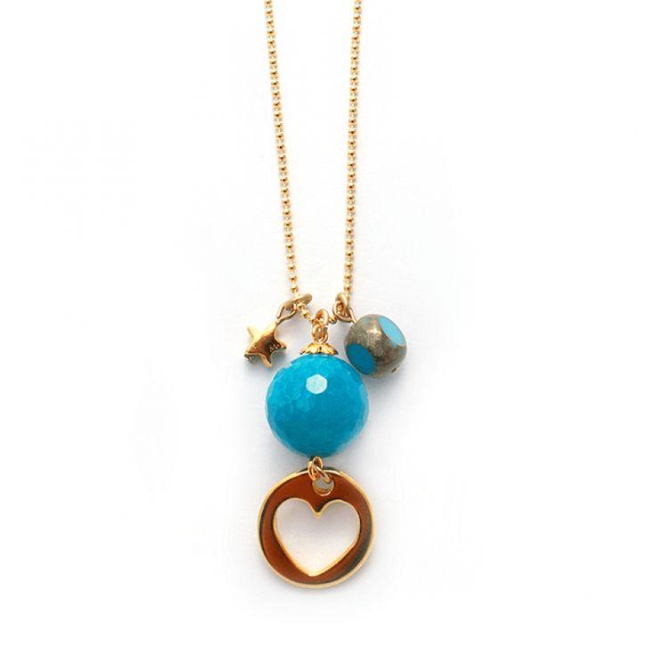 "Lange gouden ketting ""Blue Sky"" met gouden hart bedel (Designer Quality) en blauwe facetgeslepen Agaat #ketting #necklace #gemstone #turquoise www.Mbijoux.nl"