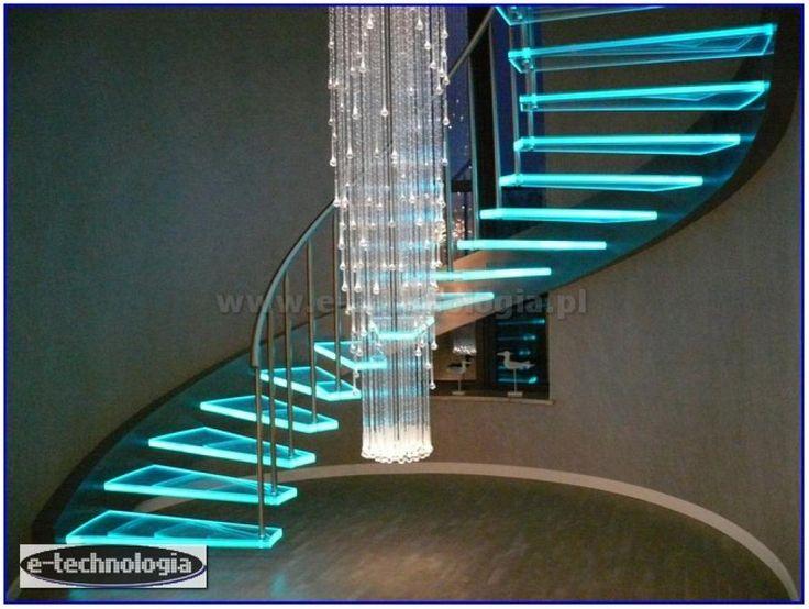 Żyrandol światłowodowy Korona z pięknymi barwami