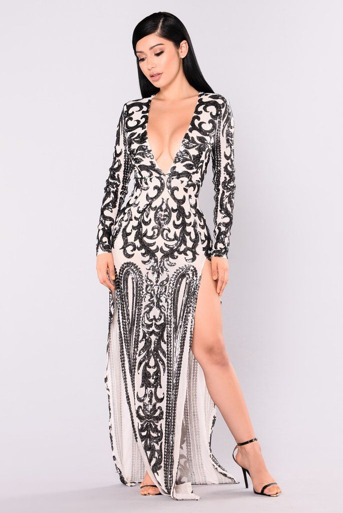 Queen Of Spades Sequin Dress - Nude/Black