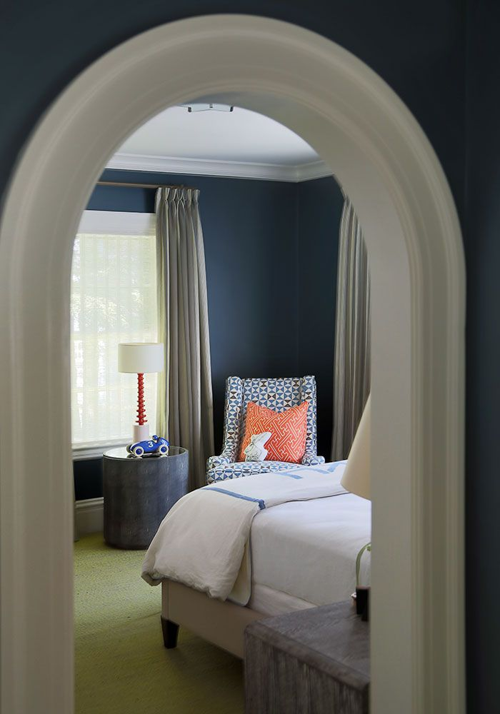 Blue & orange bedroom (could be a fun boys' room)