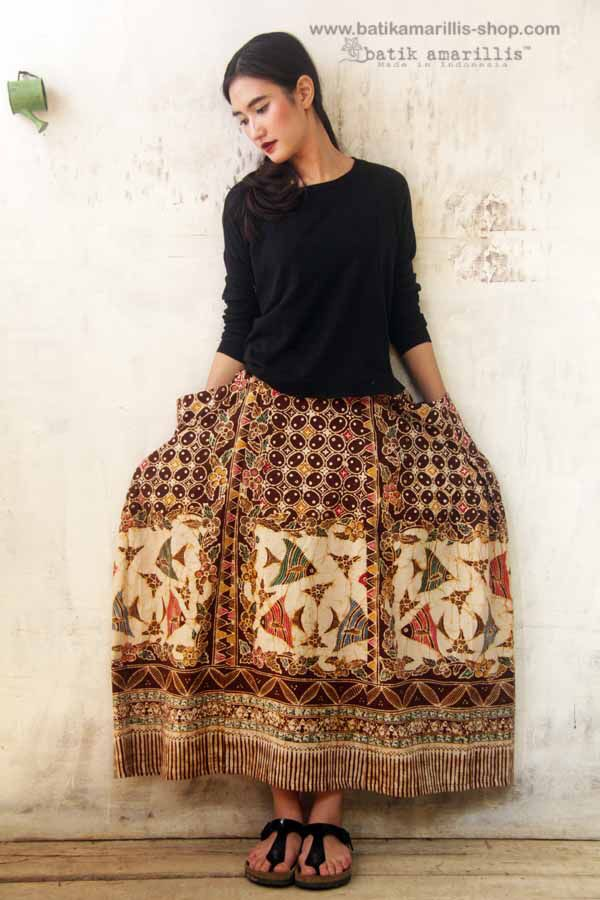 Batik Amarillis Batik Amarillis's Bohemian summer skirt unique skirt with irregular hem, it's all about edginess, individual, romantic, and free-spirited.. with 2 big pockets, side zipper and elastic band, it's Freesize (best fit for waist 72 - 85cm)