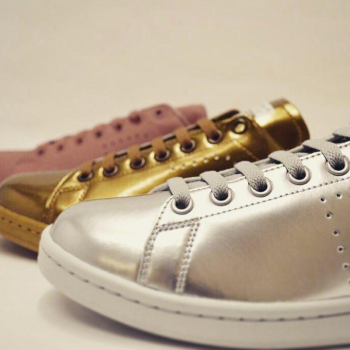 adidasよりラフシモンズスタンスミスのコラボスニーカーが入荷しました #adidas #rafsimmons #stansmith #ラフシモンズ #ラフシモンズスタンスミス #スタンスミス #メンズ #メンズシューズ #シルバー #ゴールド #ピンク