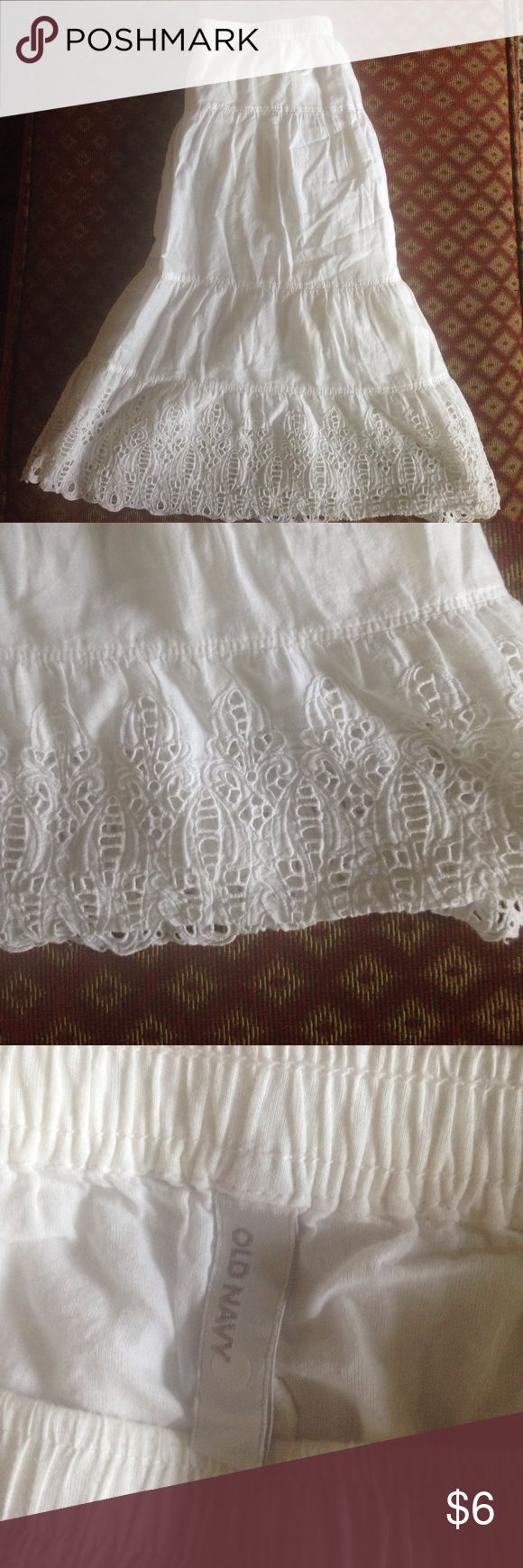 💎bundle 4 for $20💎. Old navy skirt Cute elastic waisted white cotton skirt with lace bottom. Old Navy Skirts