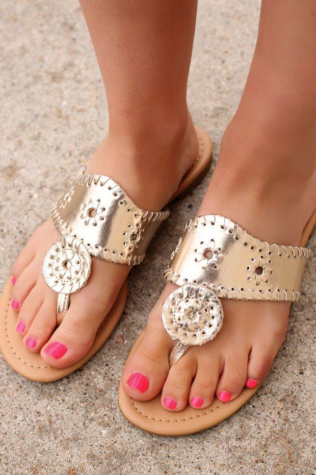 The Hampton's Hype Sandal - Gold