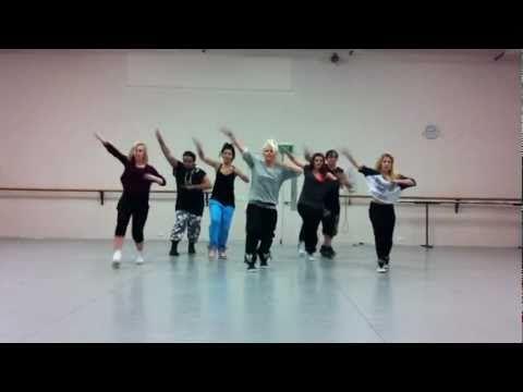 ▶ 'Run The World' Beyonce choreography by Jasmine Meakin (Mega Jam) - YouTube