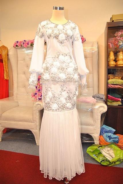 baju nikah butik marlina by Syokkahwin com via Flickr