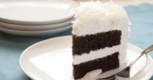 Kókuszos csokibomba - Bounty torta | Femcafe