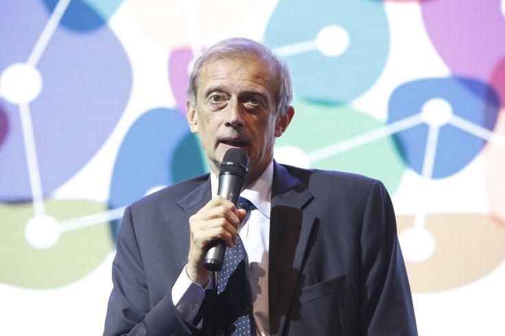 Piero Fassino durante l'inaugurazione della quinta edizione di Architettura in Città, 30 giugno presso l'ex Borsa Valori di Torino. Foto di Jana Sebestova #AIC2015 #sconfinamenti