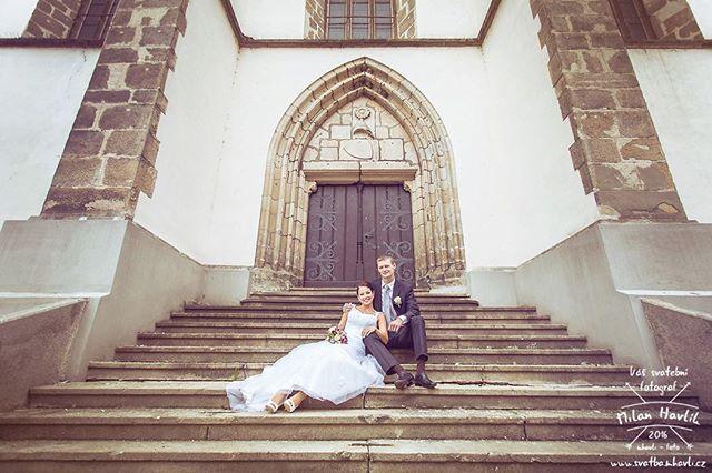 Schody schody schody... Zase ty schody :-) tentokrat boční nepoužívaný vchod do kostela v Jindřichově Hradci a skvělé svatební foceni s Terkou a Martinem.  #svatba #wedding #svatebnifoto #weddingphoto #svatebnifotograf #weddingphotographer #czechwedding #czech #czechphotographer #czechweddingphotographer #nevesta #zenich #jh #jhradec #jindrichuvhradec #schody #stairs #kostel #svatbavhradci #kdyzjepracezabava #mamsvojipracirad #fotiltomilan  Více svatebních fotek najdete na…