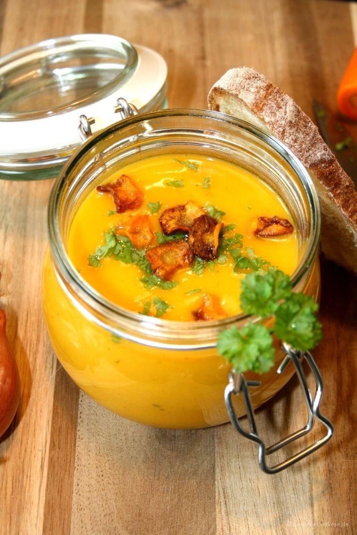 Süßkartoffelsuppe mit Gemüsechips