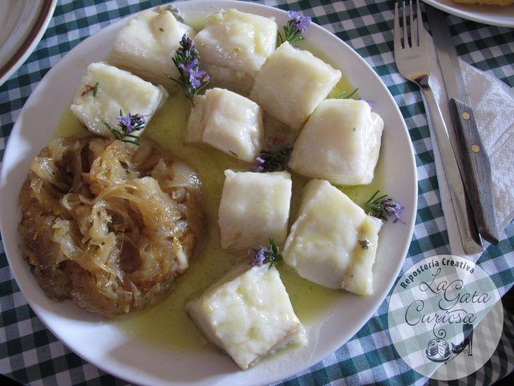 El viernes Santo tuvimos comida familiar, y como es costumbre no comimos nada de carne, así que básicamente la comida fue bacalao, ensaladil...