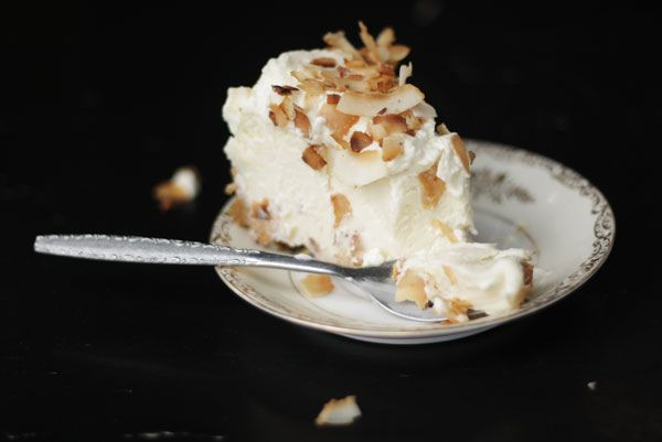 Triple Coconut Cheesecake, from The Novice Chef...... looks so yummy!!