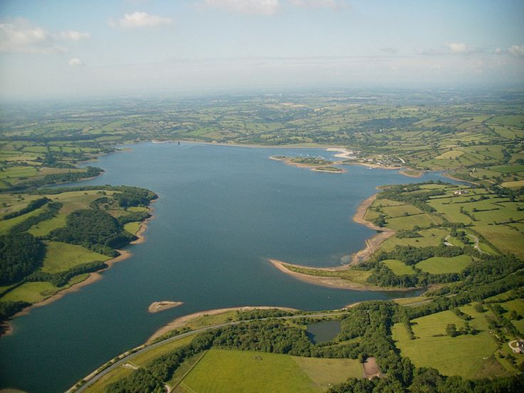 Carsington water from North | by Fredspickchers