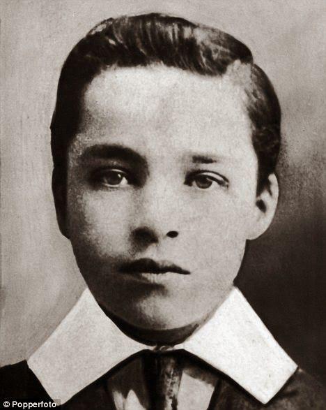 59 best Chaplin images...