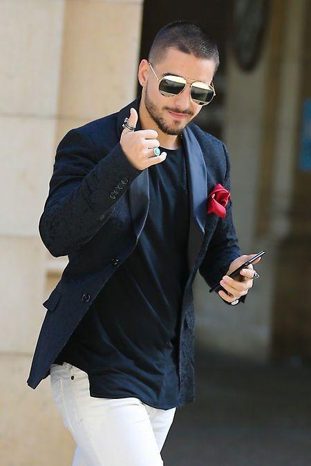 Maluma, el cantante urbano más guapo y elegante del momento, pasea por Barcelona